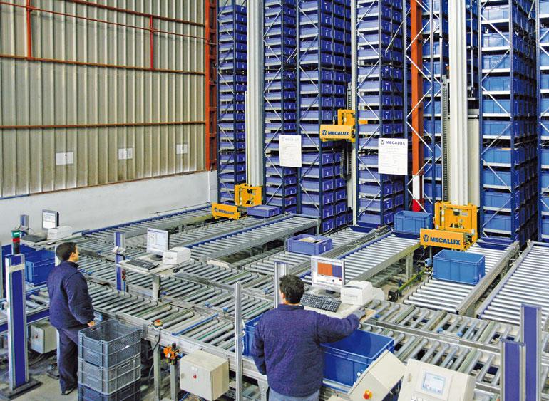 Magazyn małych elementów przeznaczony na drobne wyroby żelazne, materiały przemysłowe, narzędzia i materiały budowlane.