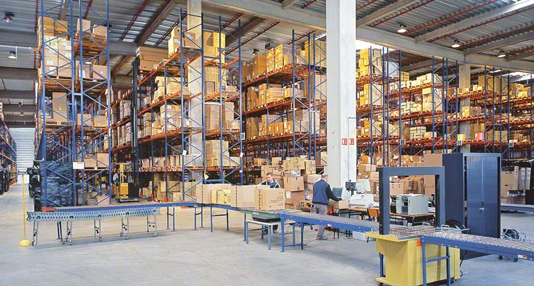 Konsolidacja zamówień w strefie wysyłek.